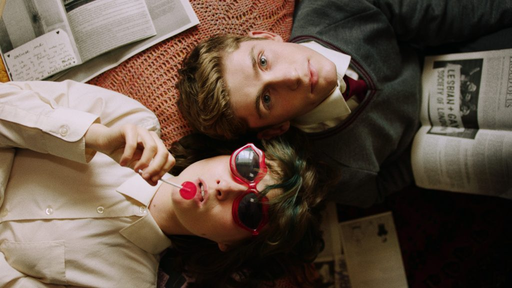 queer film: Dating Amber